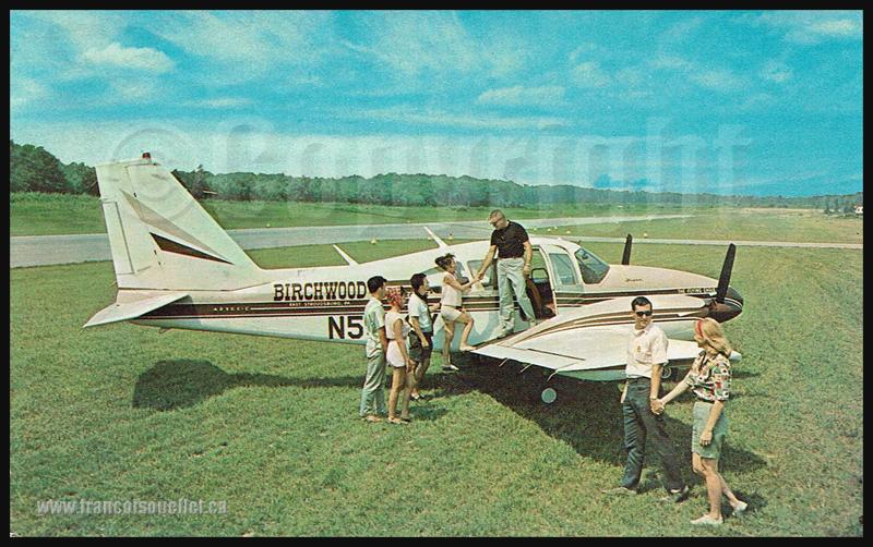 Passagers et un Piper Aztec en Pensylvanie sur carte postale d'aviation