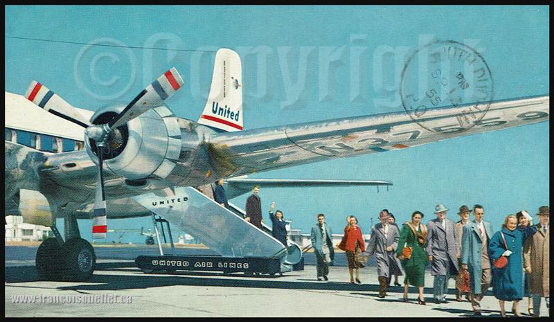 Passagers et DC-6 de United Airlines sur carte postale