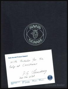 Livre et message envoyé par un pilote de Saab-Scania aux spécialistes en information de vol d'Iqaluit