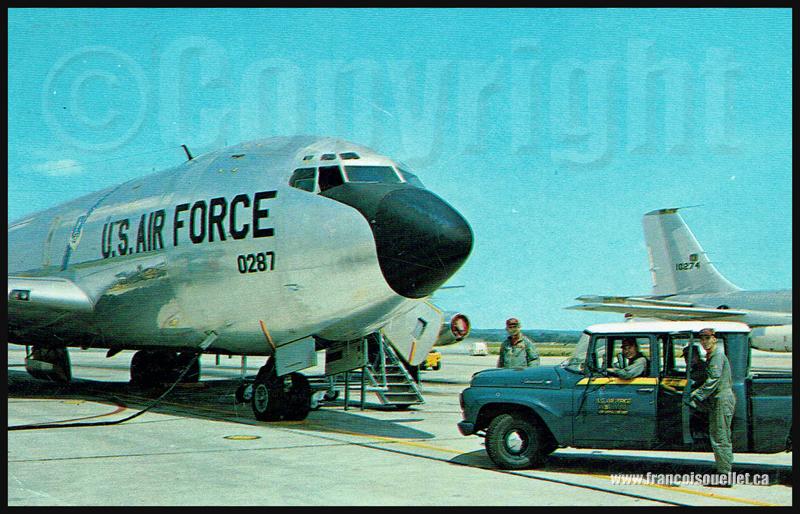 Équipage et KC-135 U.S. Air Force vers 1964 sur carte postale aviation