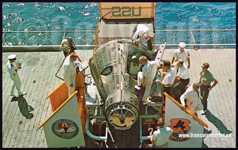 Capsule Gemini 4 à bord de l'USS Wasp sur carte postale aviation