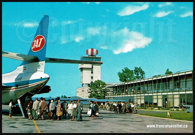 Ligne aérienne yougoslave JAT et passagers sur carte postale aviation