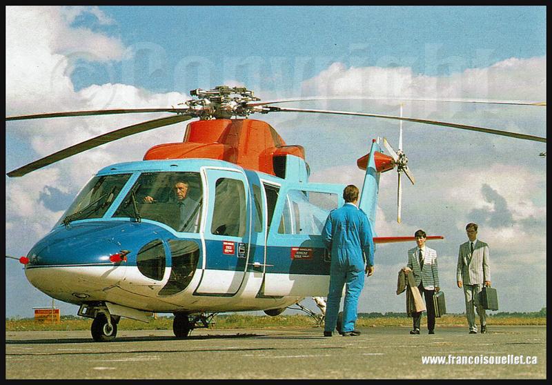 Pilotes et passagers d'un hélicoptère de KLM sur carte postale aviation