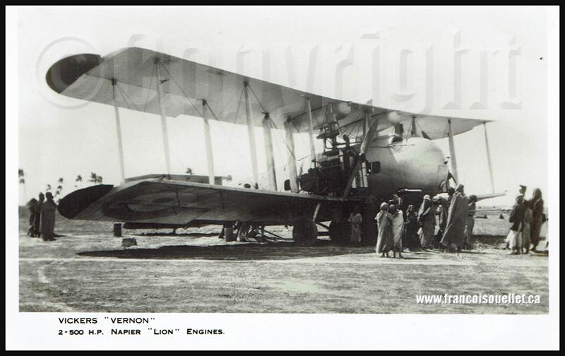 Africains autour d'un Vickers Vernon sur carte postale aviation