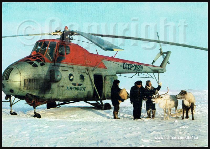 Passagers, cargo et Aeroflot Mil Mi-4 dans la toundra sur carte postale aviation