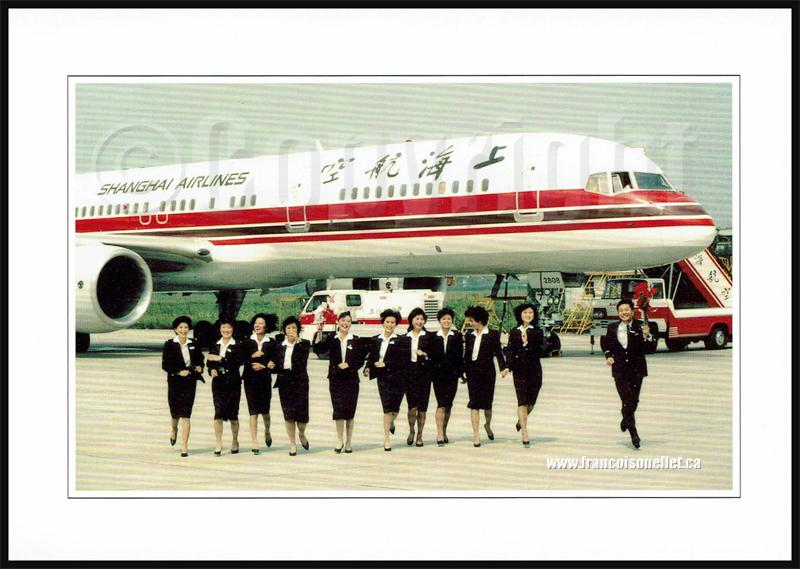 Shanghai Airlines B-757 et équipage sur carte postale aviation