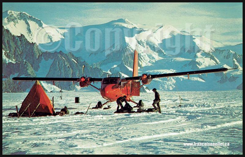 Géophysiciens et Twin Otter de la British Antarctic Survey's sur le glacier Sibelius sur carte postale aviation