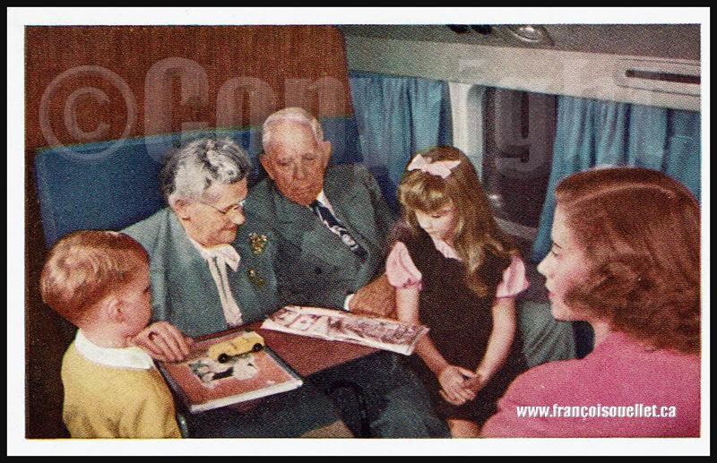 Passagers d'un DC-6 Mainliner 300 sur carte postale aviation
