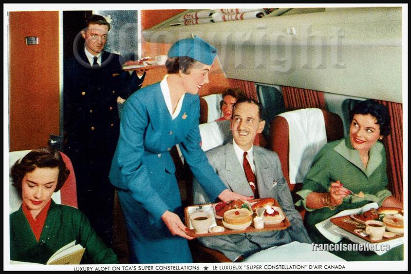 Super Constellation d'Air Canada avec passagers et agents de bords sur carte postale aviation