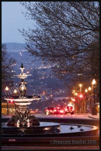 Photographie de nuit, Fontaine de Tourny et Basse-Ville de Québec, mai 2016