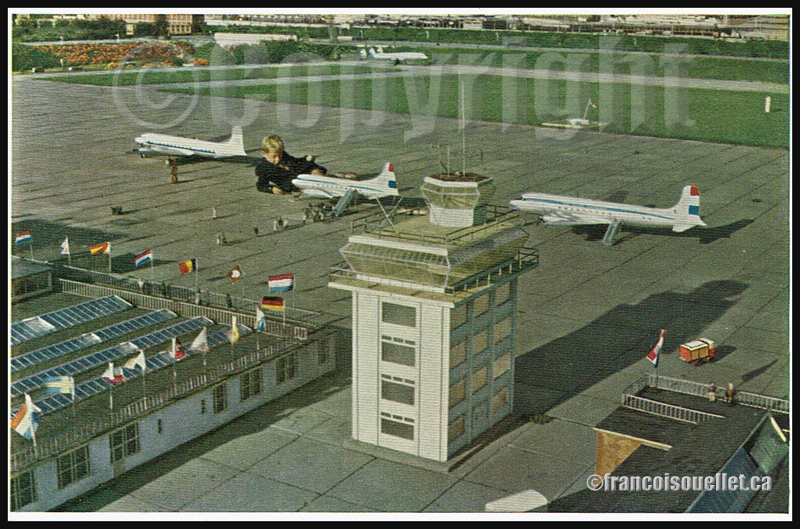 Madurodam et son aéroport miniature sur carte postale aviation