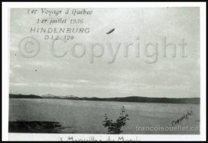 Le dirigeable Hindenburg au-dessus de Québec en 1936. Le pont de Québec est visible en arrière-plan.