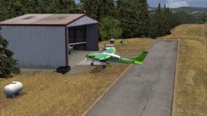 Le Cessna C-207 est stationné à Limberlost Ranch pour quelques minutes
