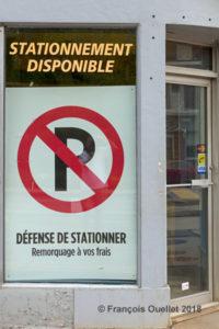 Stationnement disponible mais interdit.