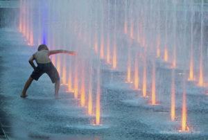Jeu de fontaines d'eau dans le Vieux-Québec.