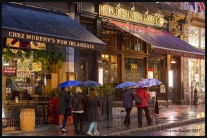 Pubs de Québec sur la rue St-Jean, dans le Vieux-Québec.