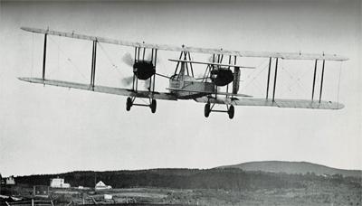 Le Vickers-Vimy décolle de Terre-Neuve en 1919.