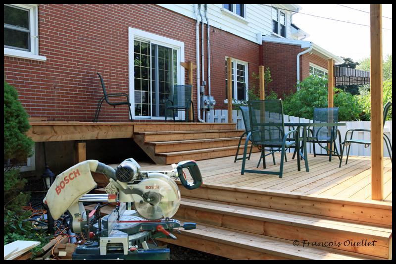 Le deuxième escalier du patio.