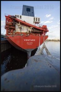 Bulk-Carrier-Venture-CSL-in-Montreal-Harbour-2016-web