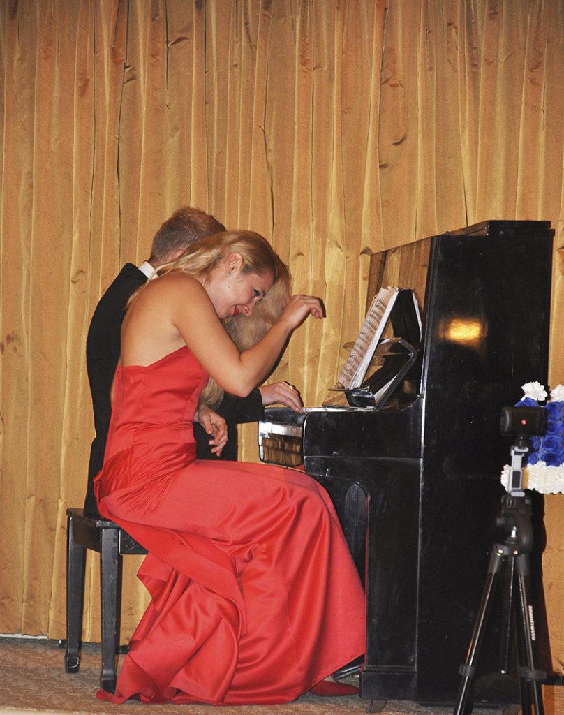 Smirnov duo piano performance