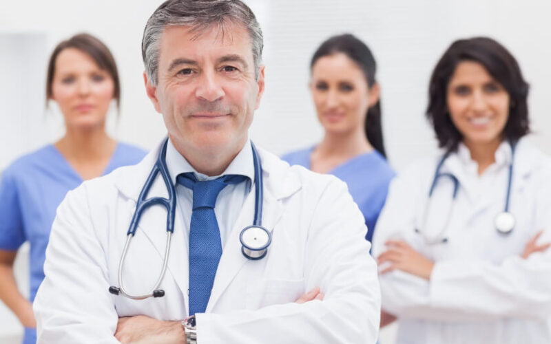 doctor-with-medical-team