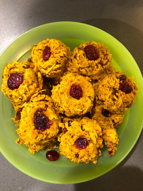 A plate of cookies made from Mac-n-Mo's Morselicious Keto and Paleo-friendly Mix for Baking and Cooking.