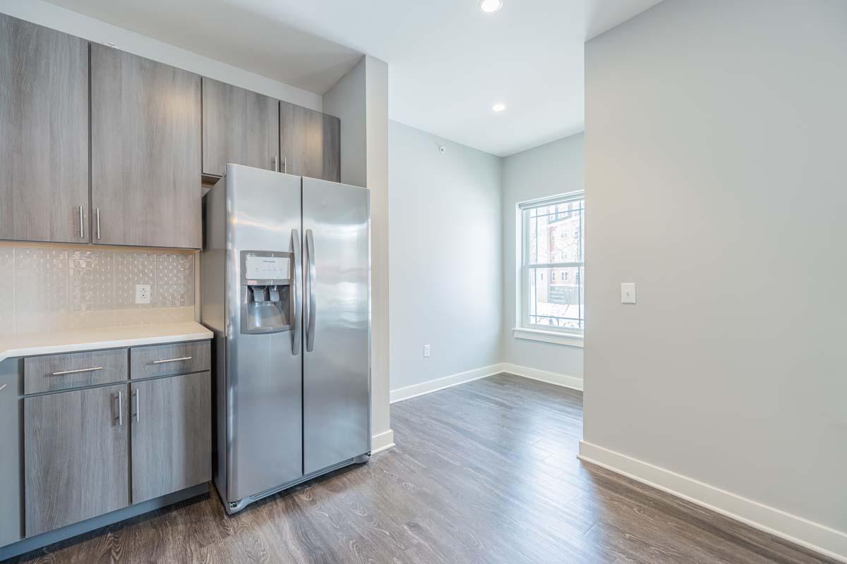 Ellison Heights - 2 Bedroom Corner - Eat-In Kitchen