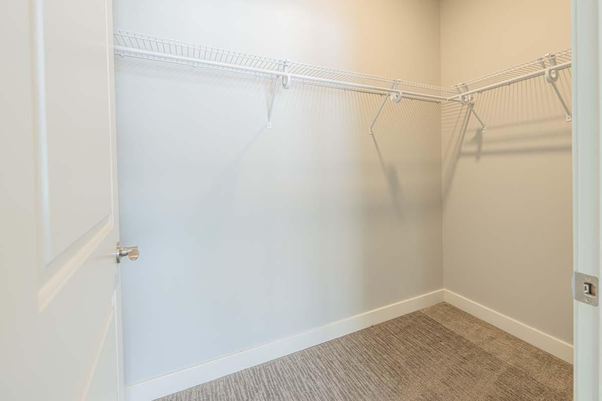 Ellison Heights - 1 Bedroom - Closet