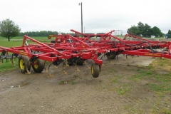 CHISEL PLOW (AGRICULTURAL AND FARM)