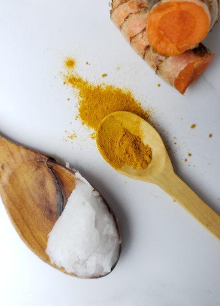 aceite de coco y curcuma