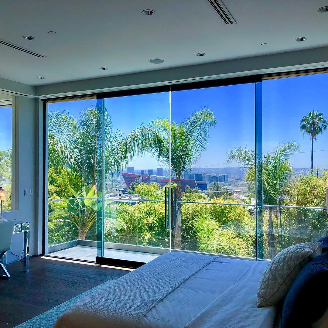 Los Angeles Clean Windows   Bedroom View