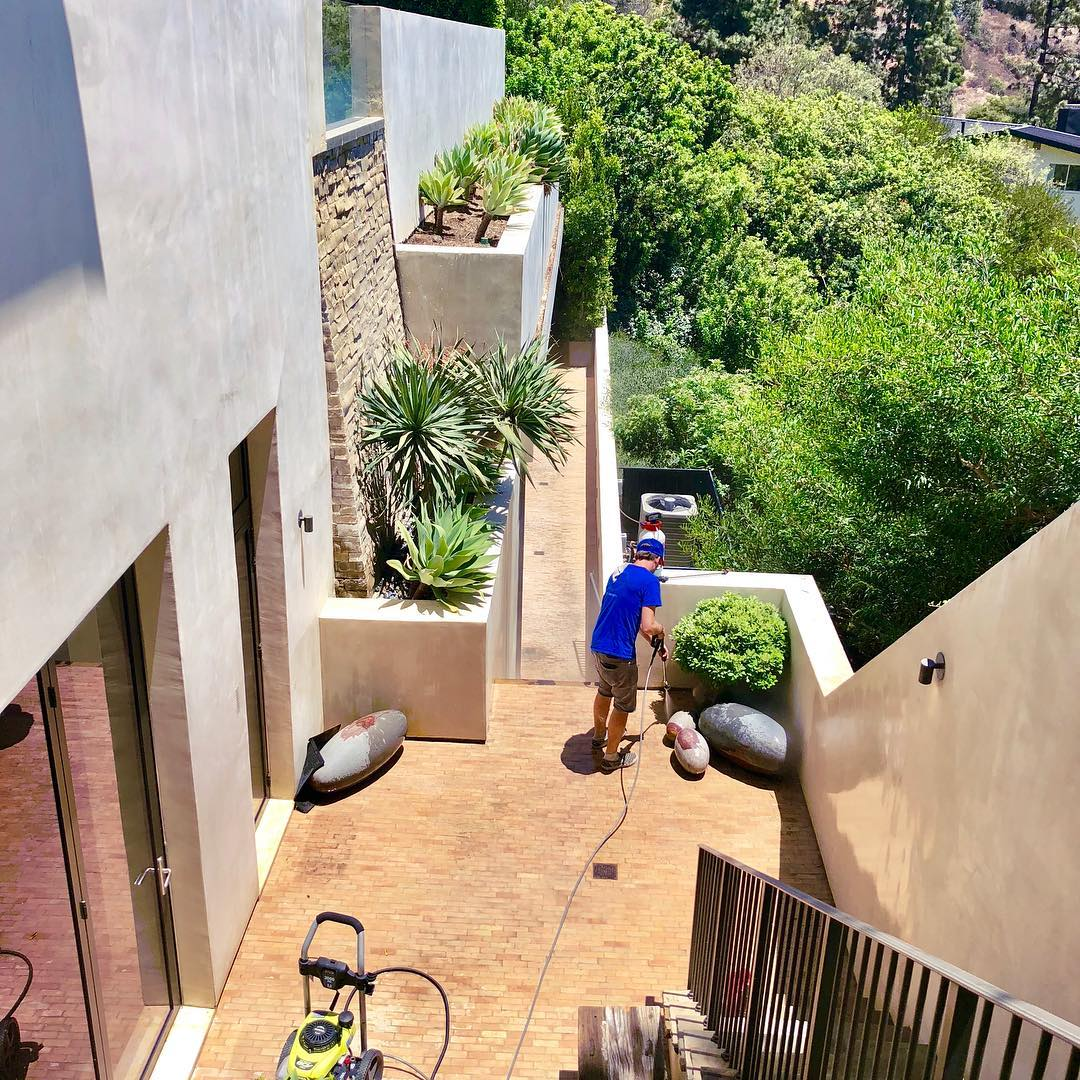 Top 3 Reasons To Pressure Wash Your Home