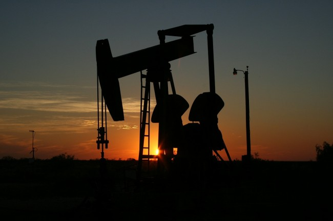 Oil set for 20% drop in 2020 as lockdowns weigh, market eyes more stimulus -EnergyNewsBeat