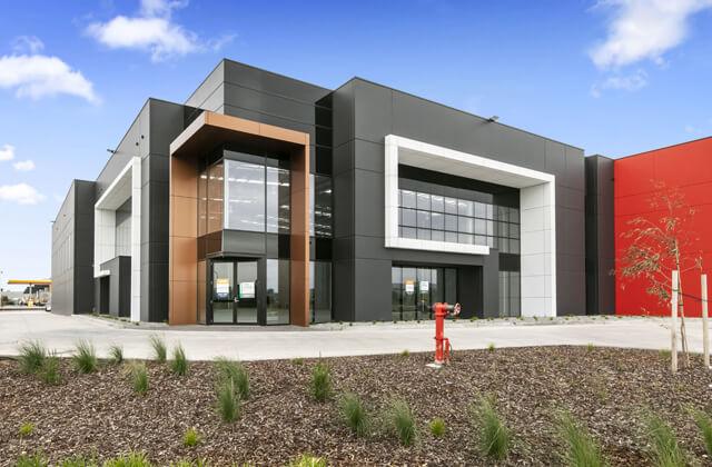 233-greensrd-exterior-building