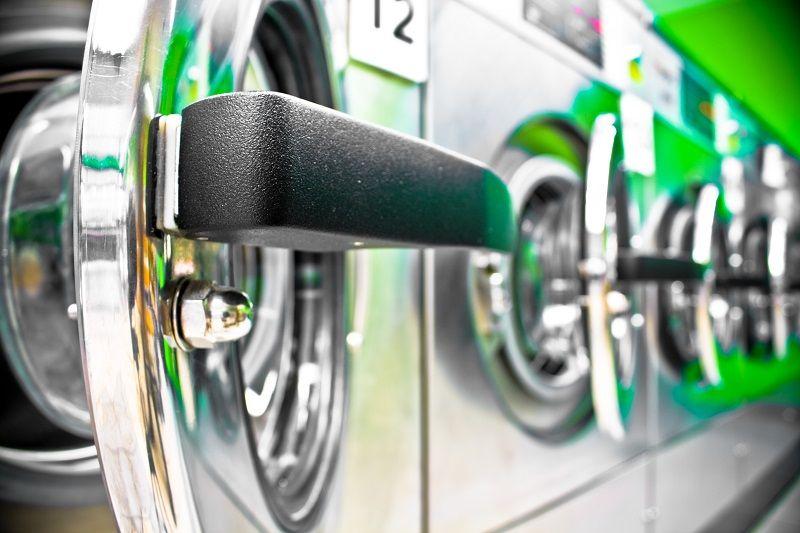 Washing-machine-row-with-open-door-cm
