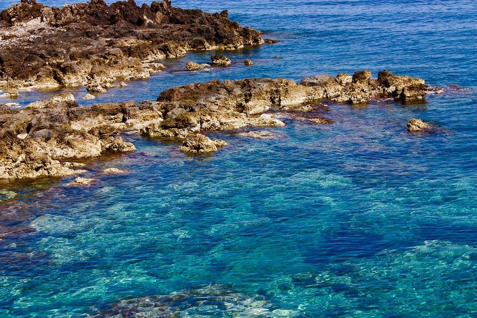 Niñas muertas en el mar mediterráneo