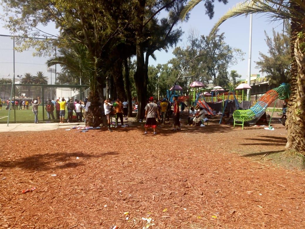Migrantes albergados en Ciudad Deportiva
