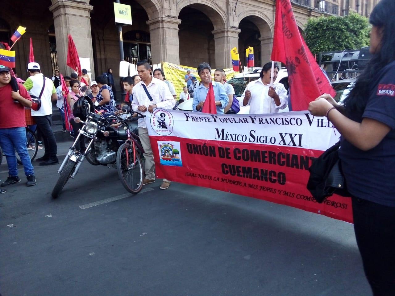 """Marchan en CDMX contra la """"invertención yanki"""" en Venezuela"""