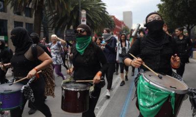 TerremotoFeminista, Marcha, Mujeres, Feministas,