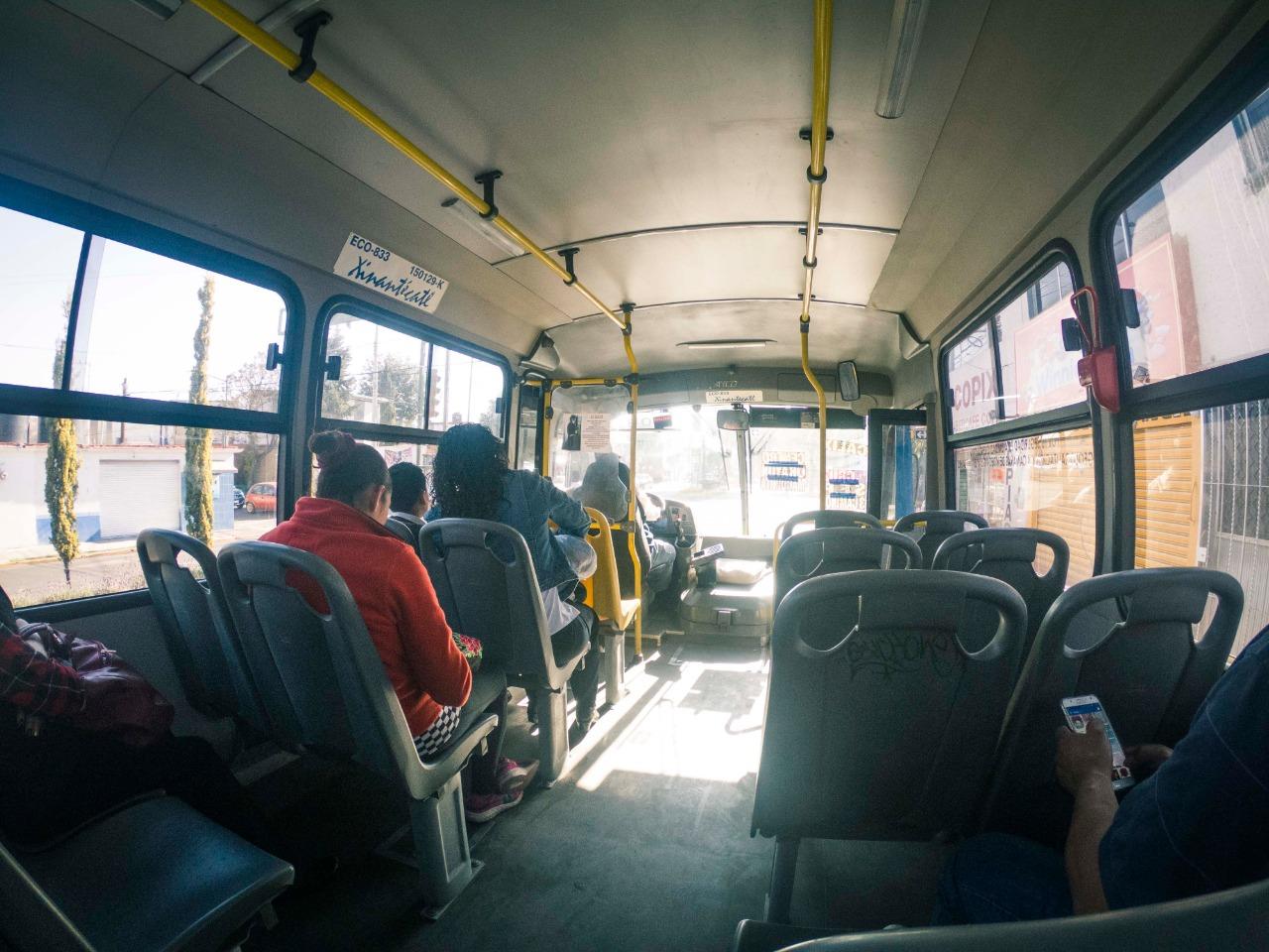 Estudiantes estarán exentos de alza al transporte público en el Edomex