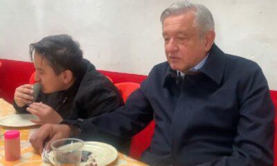 AMLO promueve comer verduras y maíz mientras desayuna barbacoa en Tulancingo