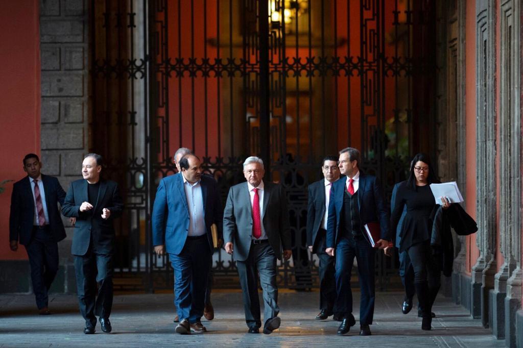 AMLO, Andrés Manuel, López Obrador, Feminista, Feministas, Marcha, Palacio Nacional, Mañanera,