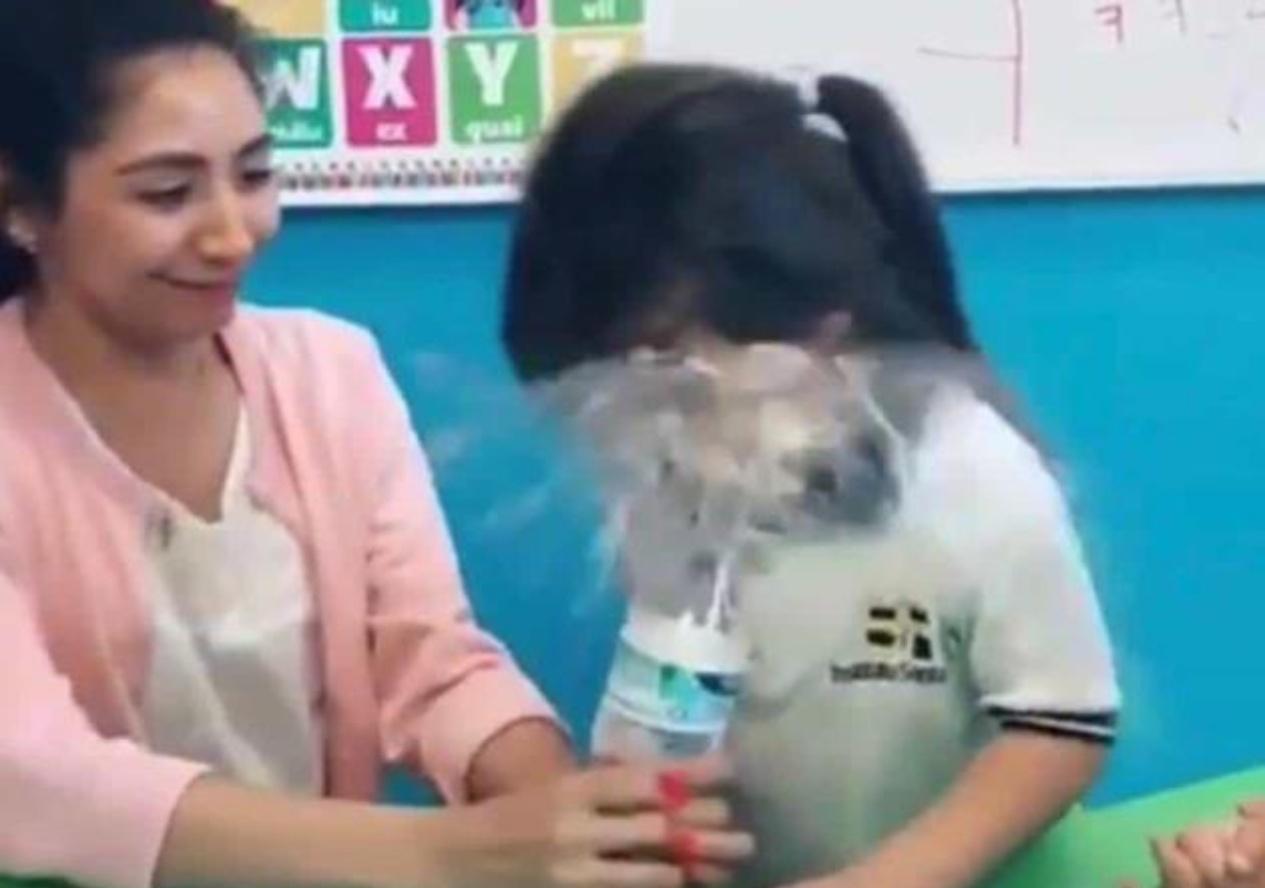 Despiden a maestra por bulear a niña en NL