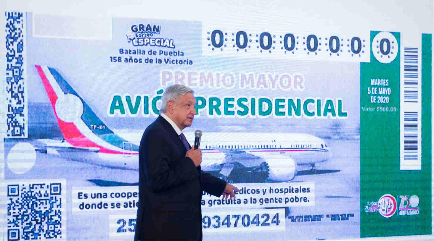 Critican a AMLO por iniciar venta de boletos para 'rifa del avión' el 9M