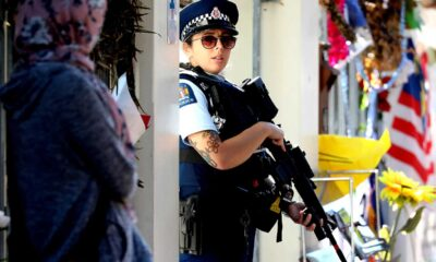 Nueva Zelanda retira patrullas armadas de las calles