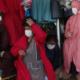Crean trajes protectores para mujeres Aymaras en Bolivia