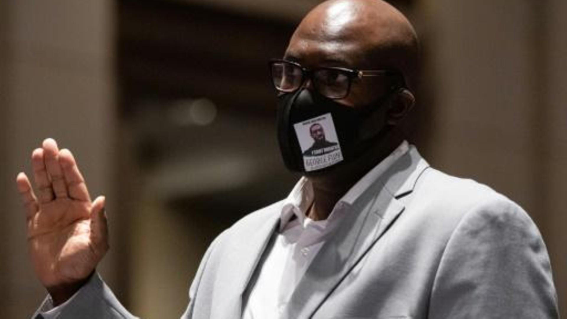 """Hermano de George Floyd exige una """"reforma policial"""" en EU"""