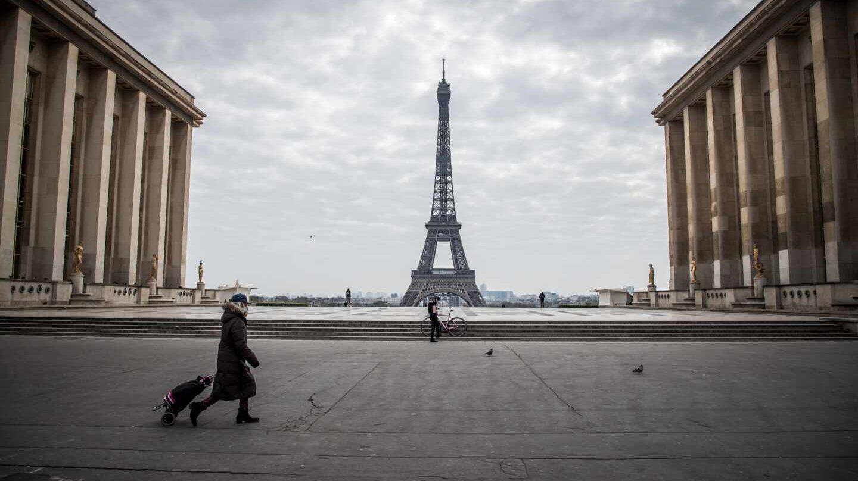 Francia prevé relajar confinamiento en tres etapas; Macron busca dar claridad