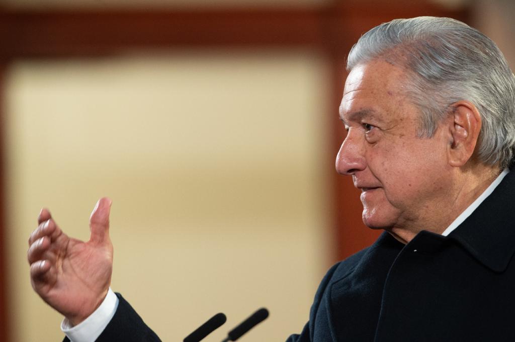 AMLO promete investigar sobornos de Vitol a Pemex