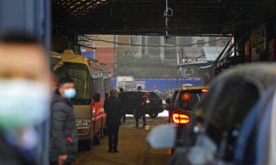 Visitan expertos de la OMS mercado de Wuhan; origen del Covid-19